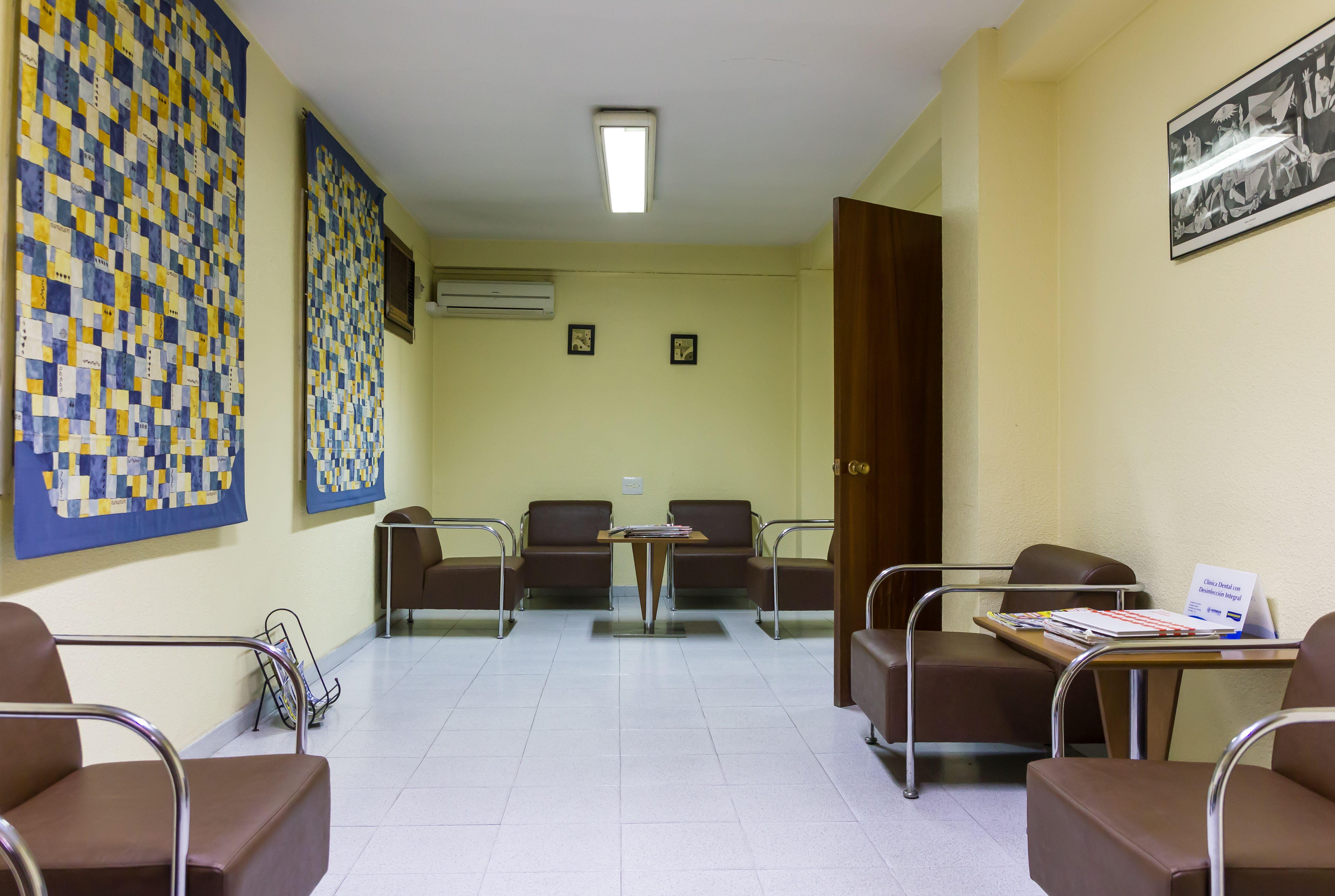 Foto 1 de Dentistas en Alzira | Clínica Dental Presencia