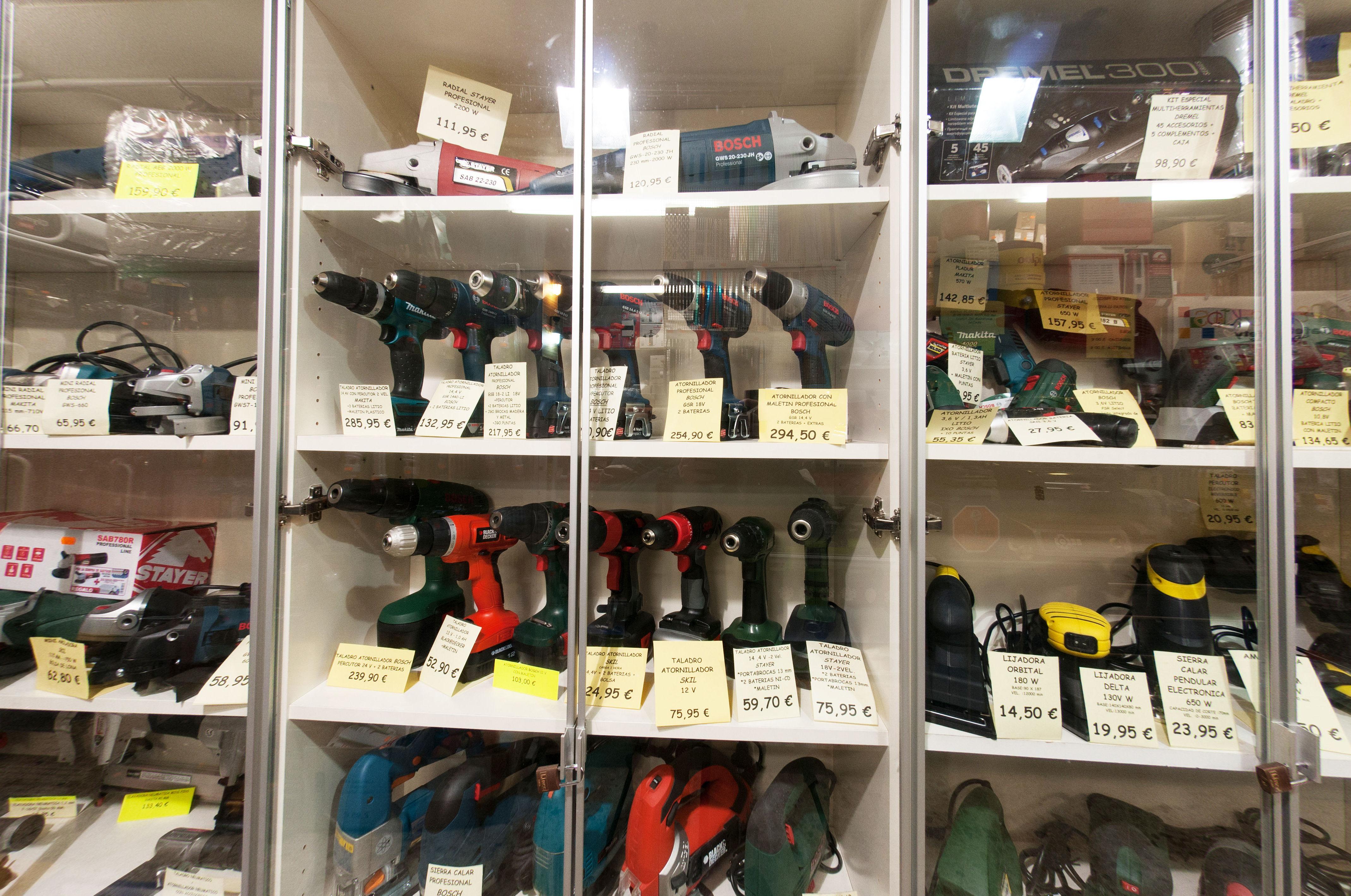Foto 4 de Cerrajería en Barajas   Ferretería Arroyo