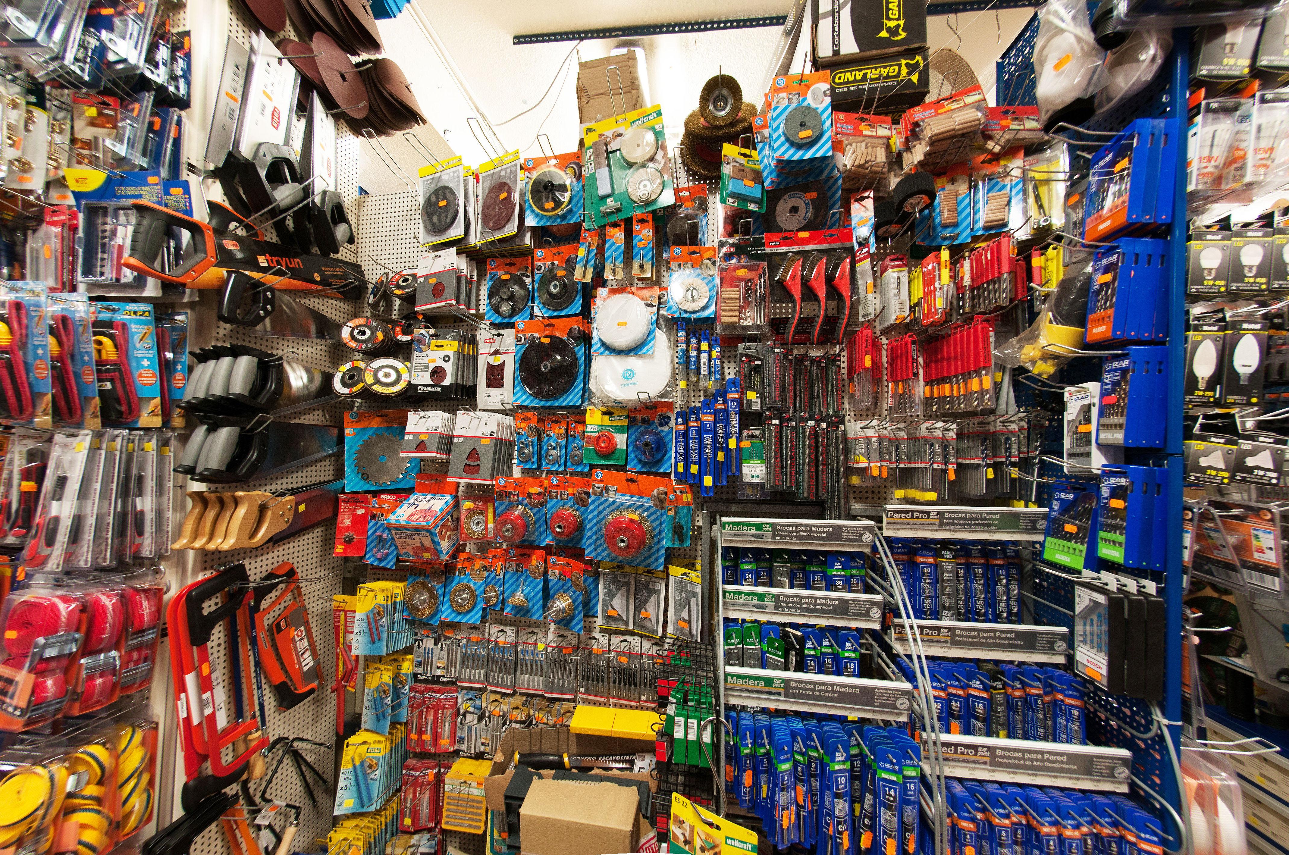 Foto 15 de Cerrajería en Barajas | Ferretería Arroyo
