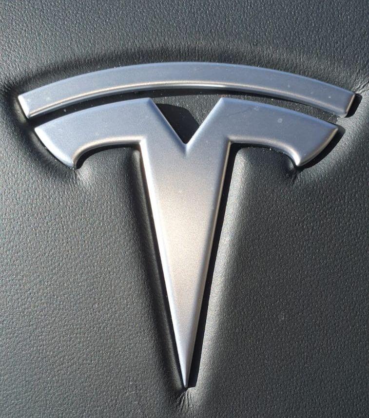 Taxi Tesla Los Peñascales. Todo un lujo a su alcance en Las Rozas Y Las Matas