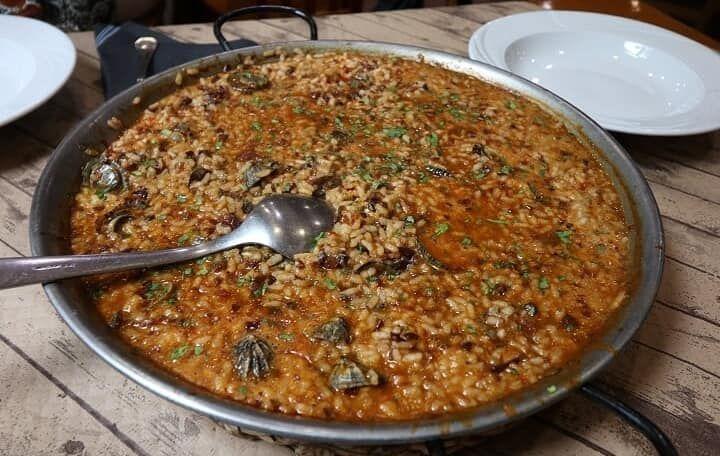 La cocina de mis abuelas: Nuestros servicios de CASA CARREÑO CON LOS FOGONES DE DANI