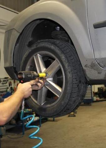 Instalación de neumáticos nuevos en su automóvil