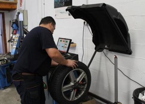 Cuidamos de sus neumáticos
