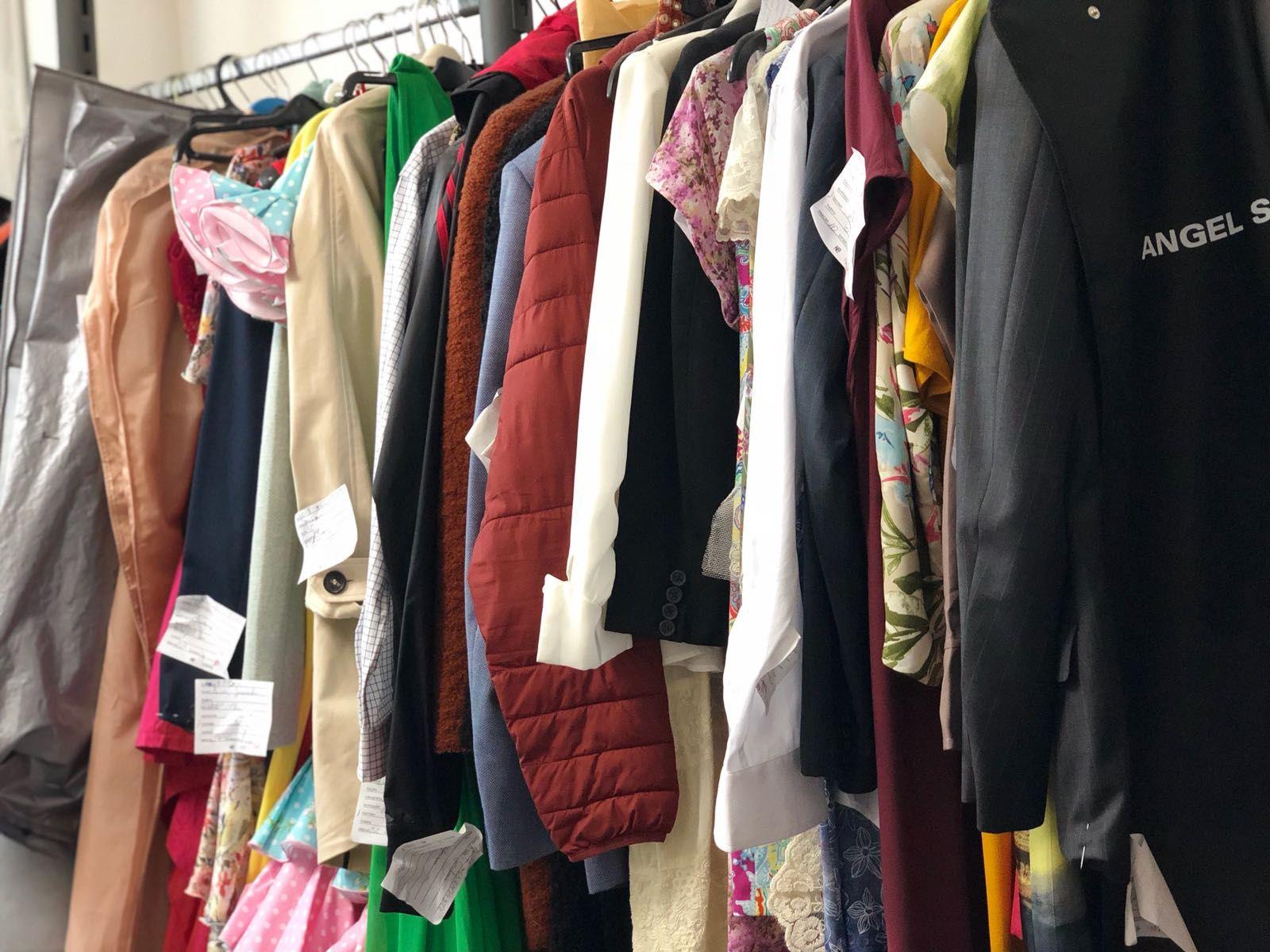 Arreglos de ropa: Servicios de El Dedal 2008