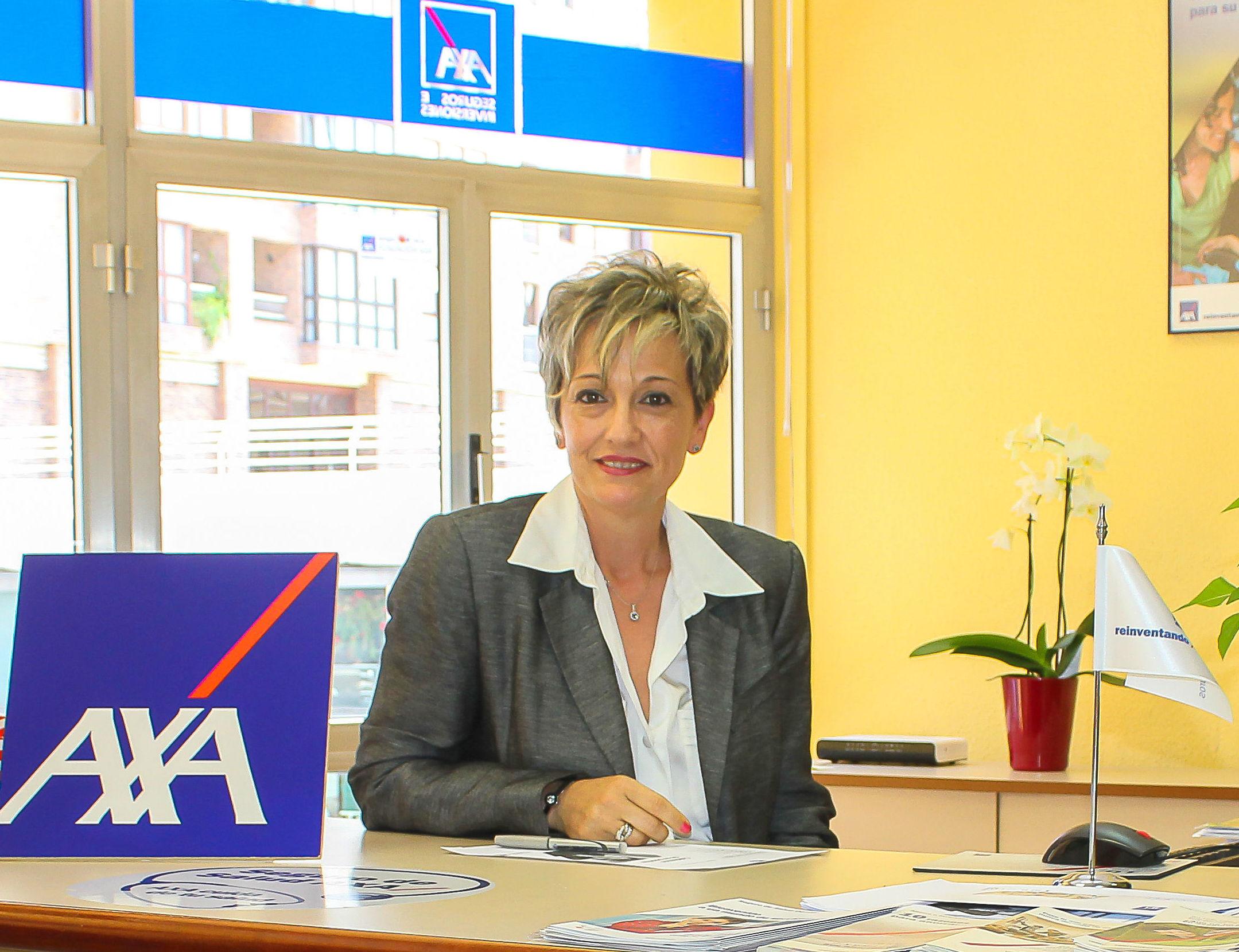Nieves, asesora de seguros particulares