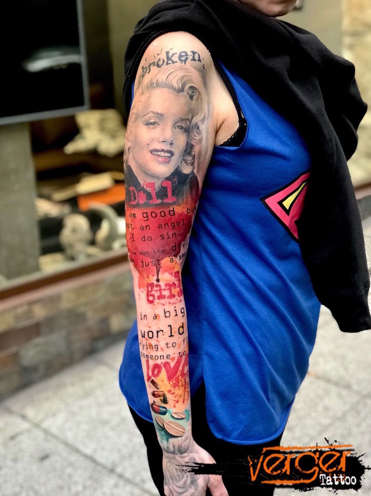 Full sleeve tattoo. Retrato realista Santander. Tatuaje a color Santander. Marylin Tattoo. Verger Tattoo. JR Verger
