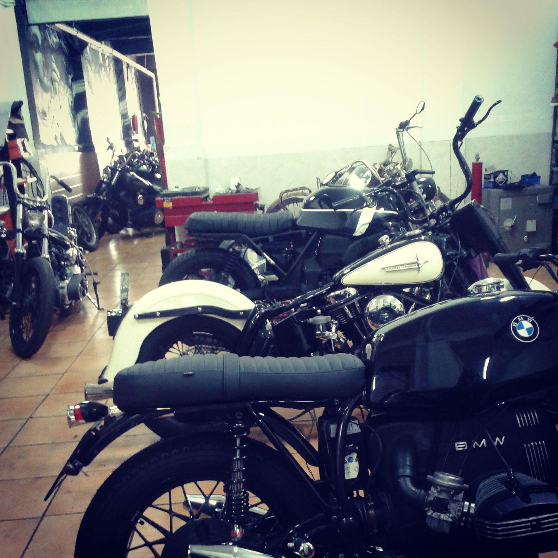 customizacion de motos, transformacion de motos en Valencia, personalizacion de motos custom, construcion de motos custom, harley davidson, motos clasicas