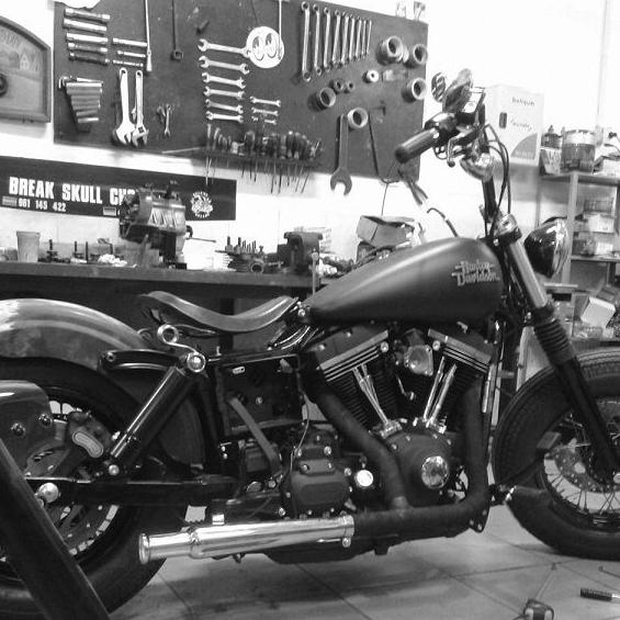 Transform custom bikes Madrid, transform custom bikes Valencia, transform custom bikes Alicante, transfom custom bikes Barcelona, transform custom bikes Málaga, transform custom bikes Bilbao, transform custom bikes, Break Skull Choppers