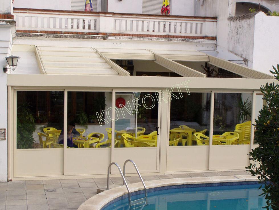 Cerramientos de terrazas, piscinas, puertas plegadizas