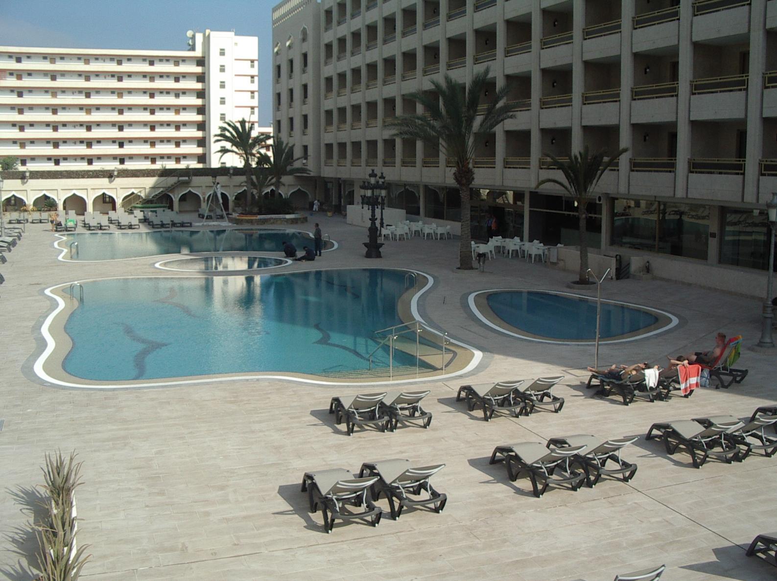 REFORMA INTEGRAL PISCINAS HOTEL COLUMBUS