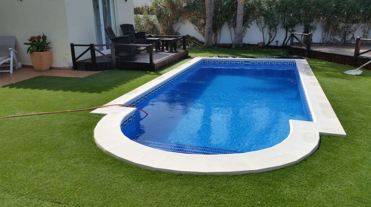 PISCINA PRIVADA EN AMARILLA GOLF