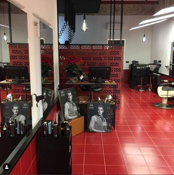 Scissors haircuts Poblenou Barcelona