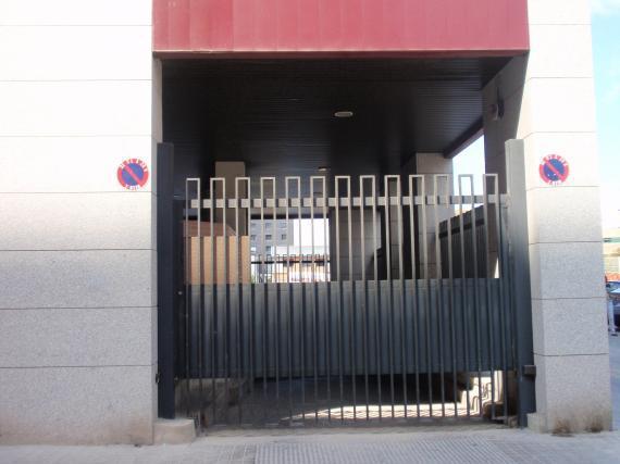 Garage exit Avinguda de França, 17 and 19