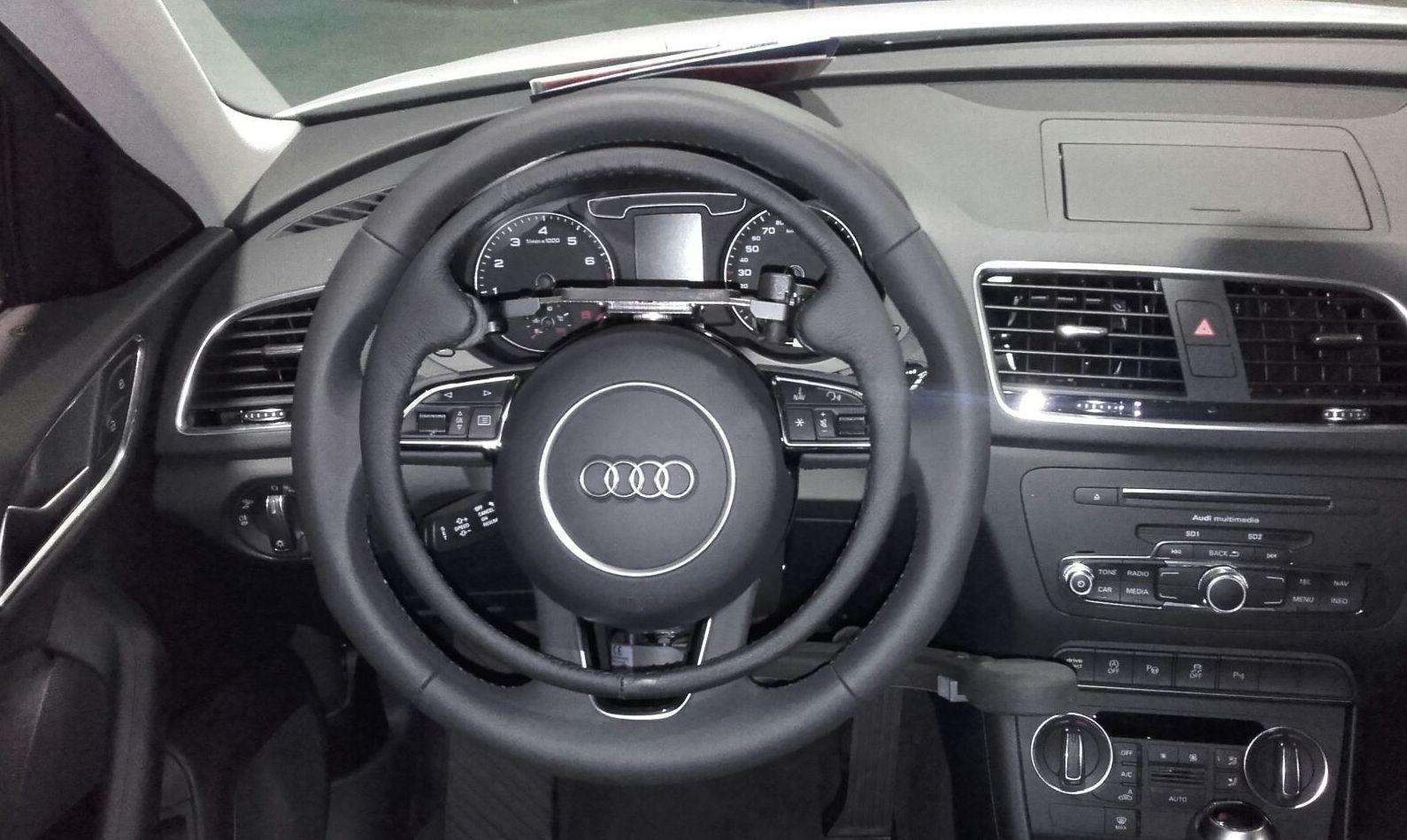 Acelerador elco de aro extraible y freno manual en Audi Q3 Guidosimplex