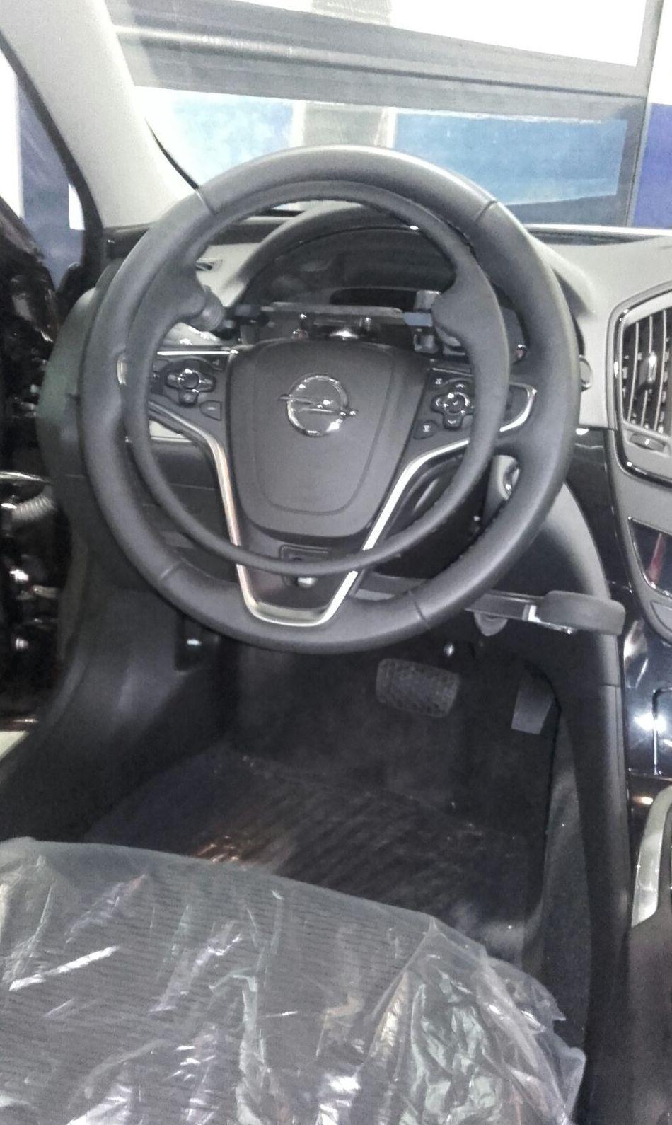 Acelerador elco de aro extraible y freno manual en Opel Insignia