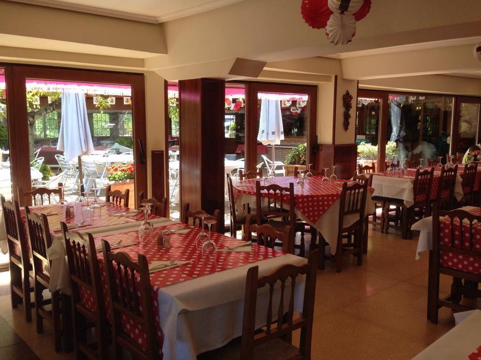Foto 11 de Asadores en  | Hostal Restaurante Fleming