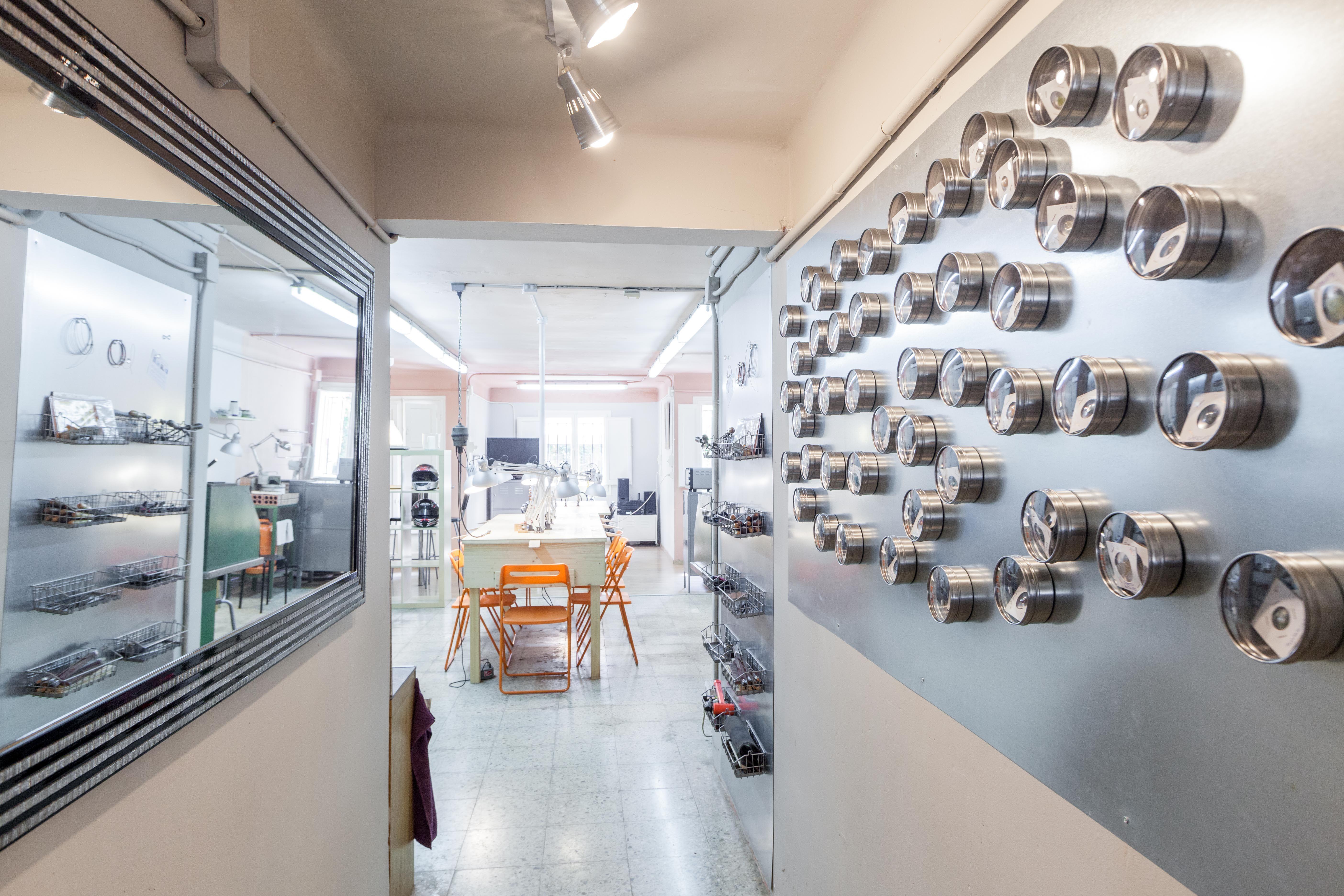 Foto 11 de Escuelas de joyería y engastado en Barcelona | puigBCNjoies Escola Taller de Joieria
