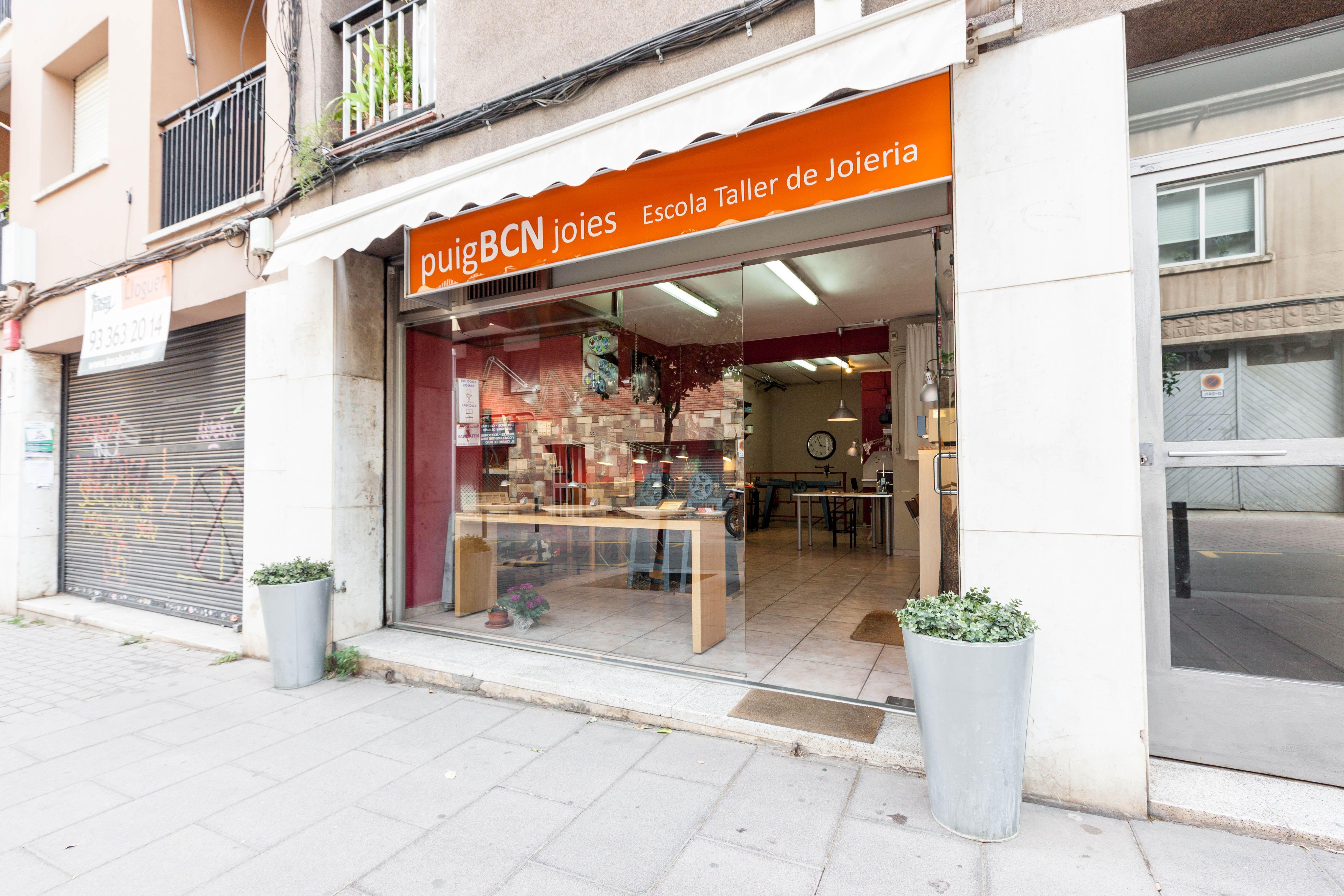 Foto 6 de Escuelas de joyería y engastado en Barcelona | puigBCNjoies Escola Taller de Joieria