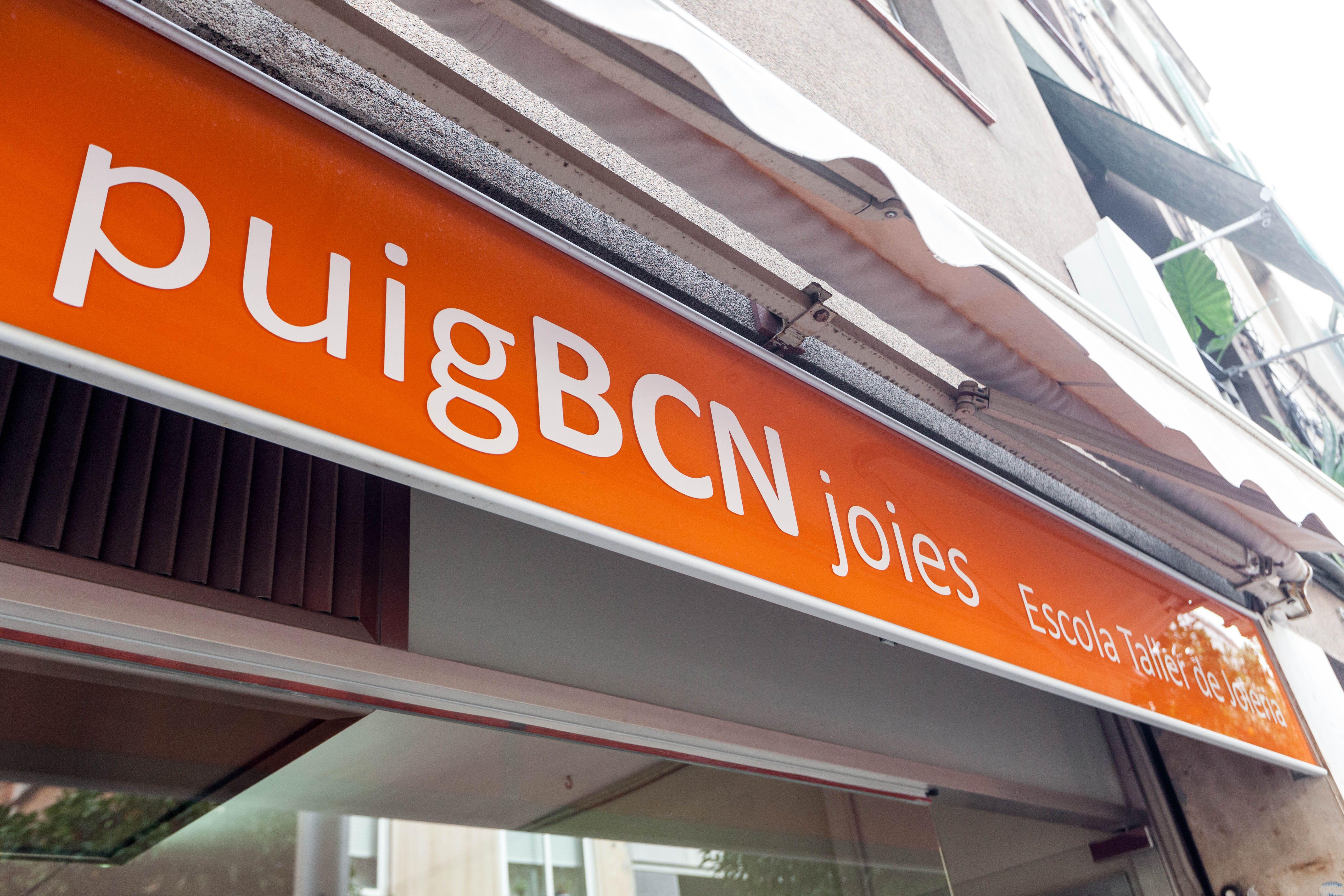Foto 5 de Escuelas de joyería y engastado en Barcelona | puigBCNjoies Escola Taller de Joieria