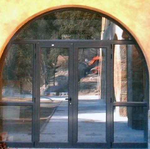 Realización de puertas con arco de medio punto