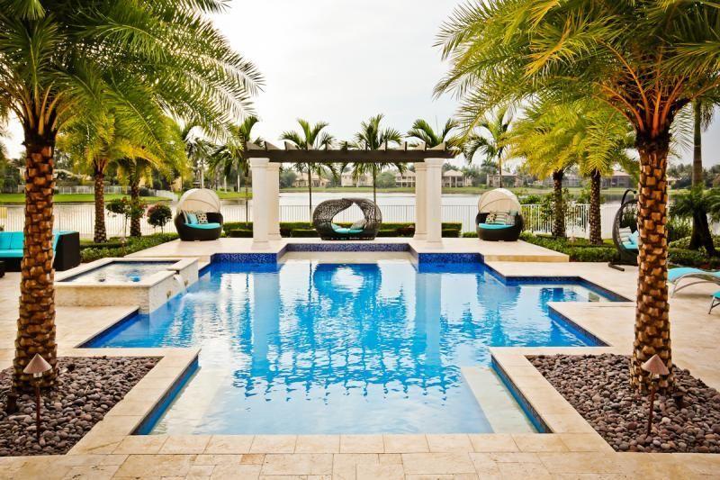Diseño y fabricación de piedras para exteriores de piscinas