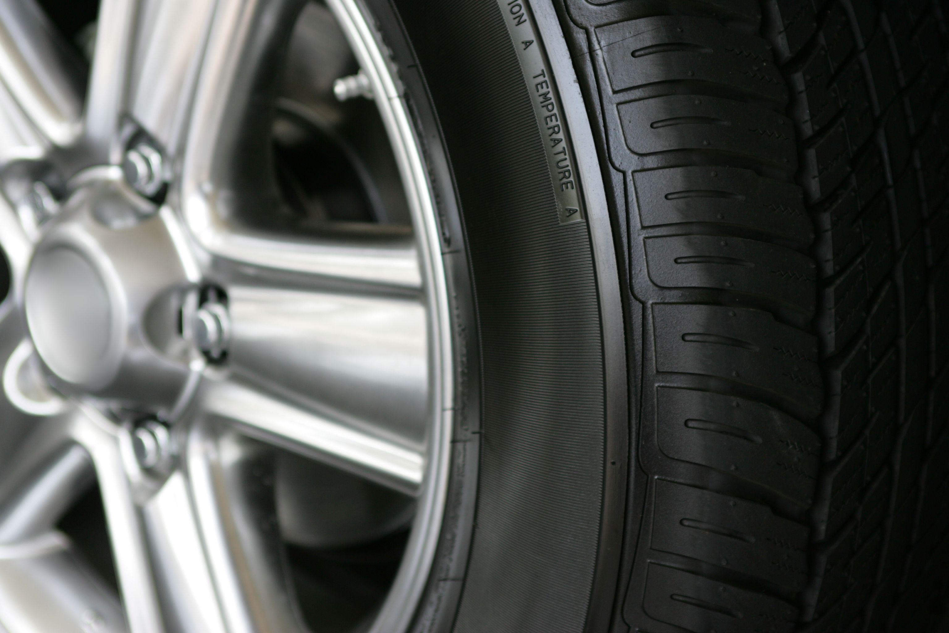 Llantas: Servicios de Car Wash