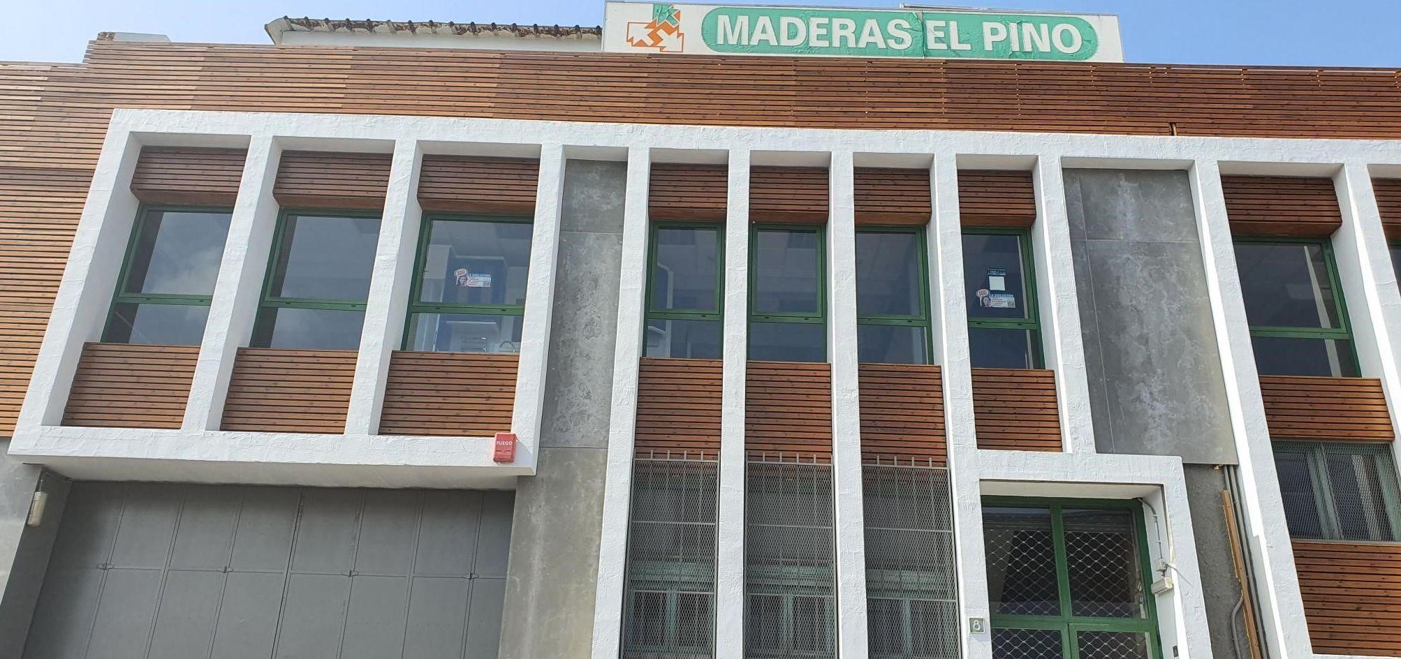 REVESTIMIENTO DE FACHADA EN MADERA CON TRATAMIENTO PARA EXTERIOR