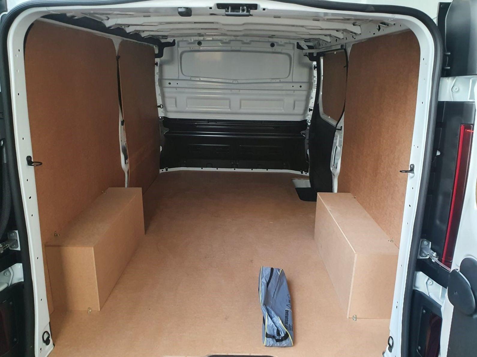 panelado de vehículo para proteger la chapa