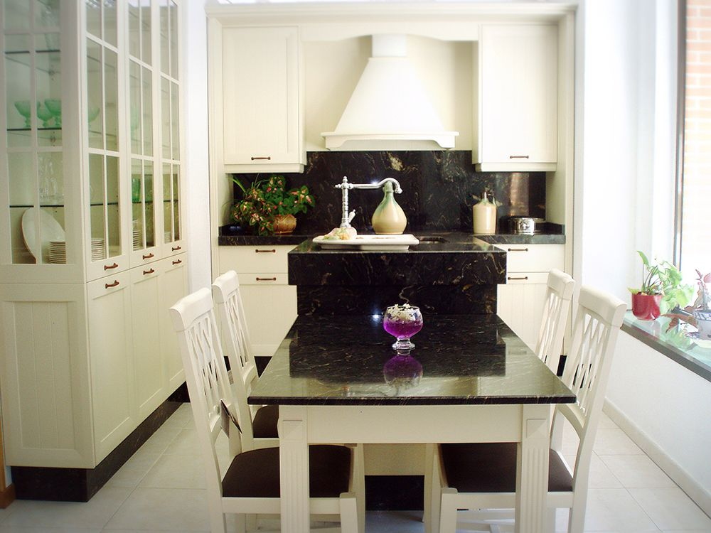 Sillas y mesas de cocina