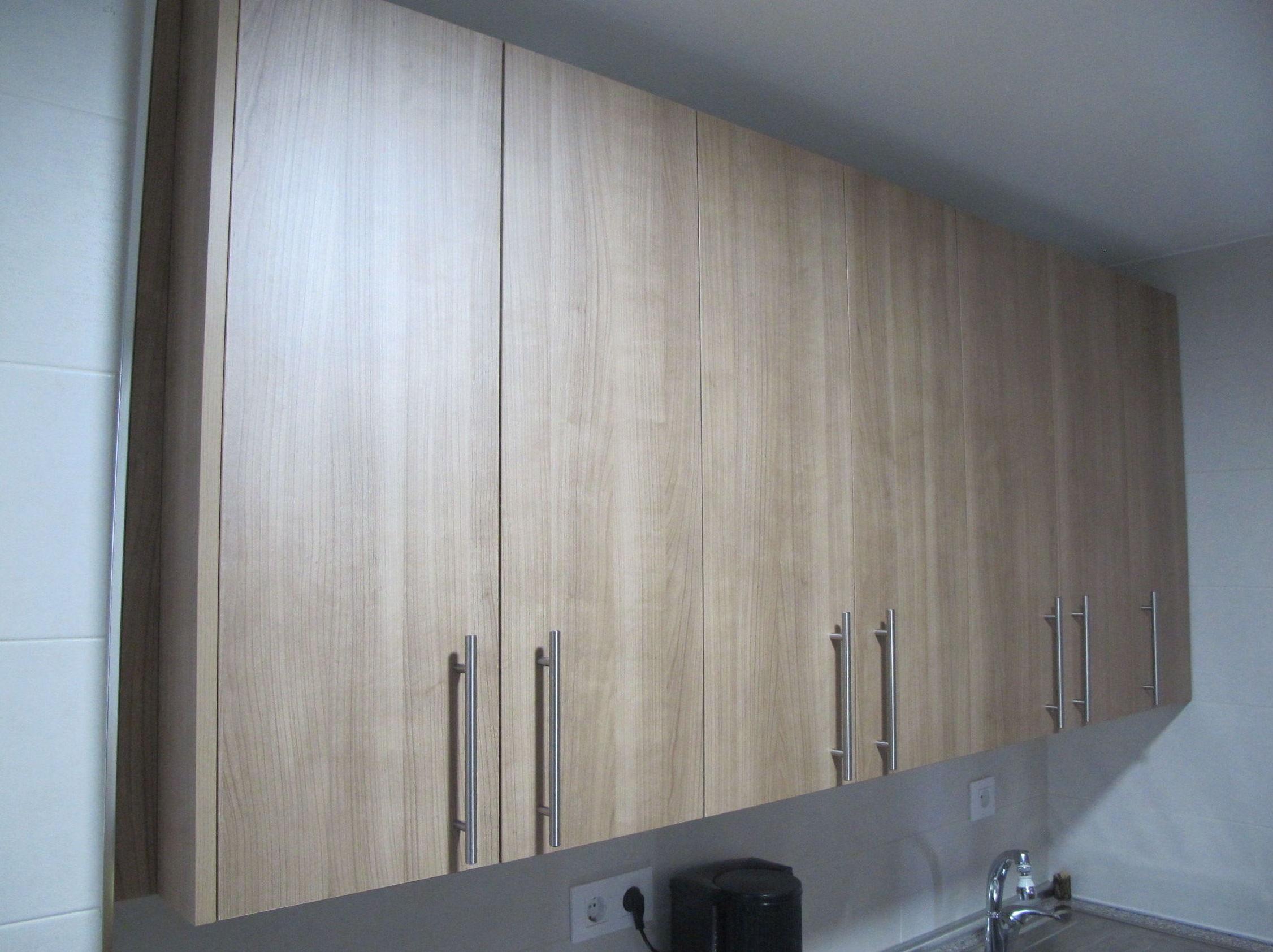laminado mate tono madera suave