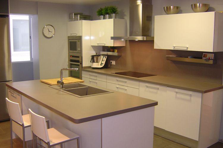 Muebles para cocinas con isla en Leganés