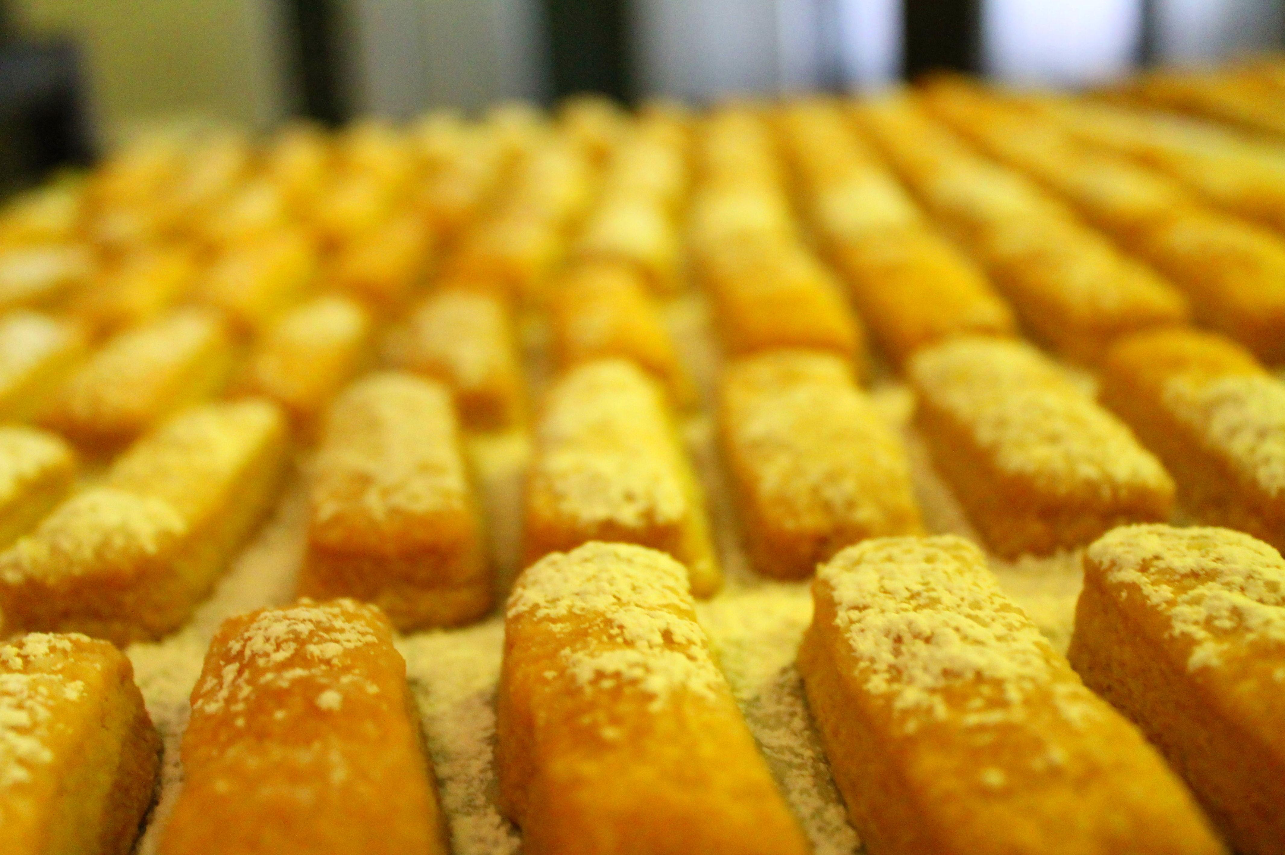 Foto 46 de Obrador artesano con amplia variedad de panes en Jaén | Panaderías y Confiterías Rodríguez