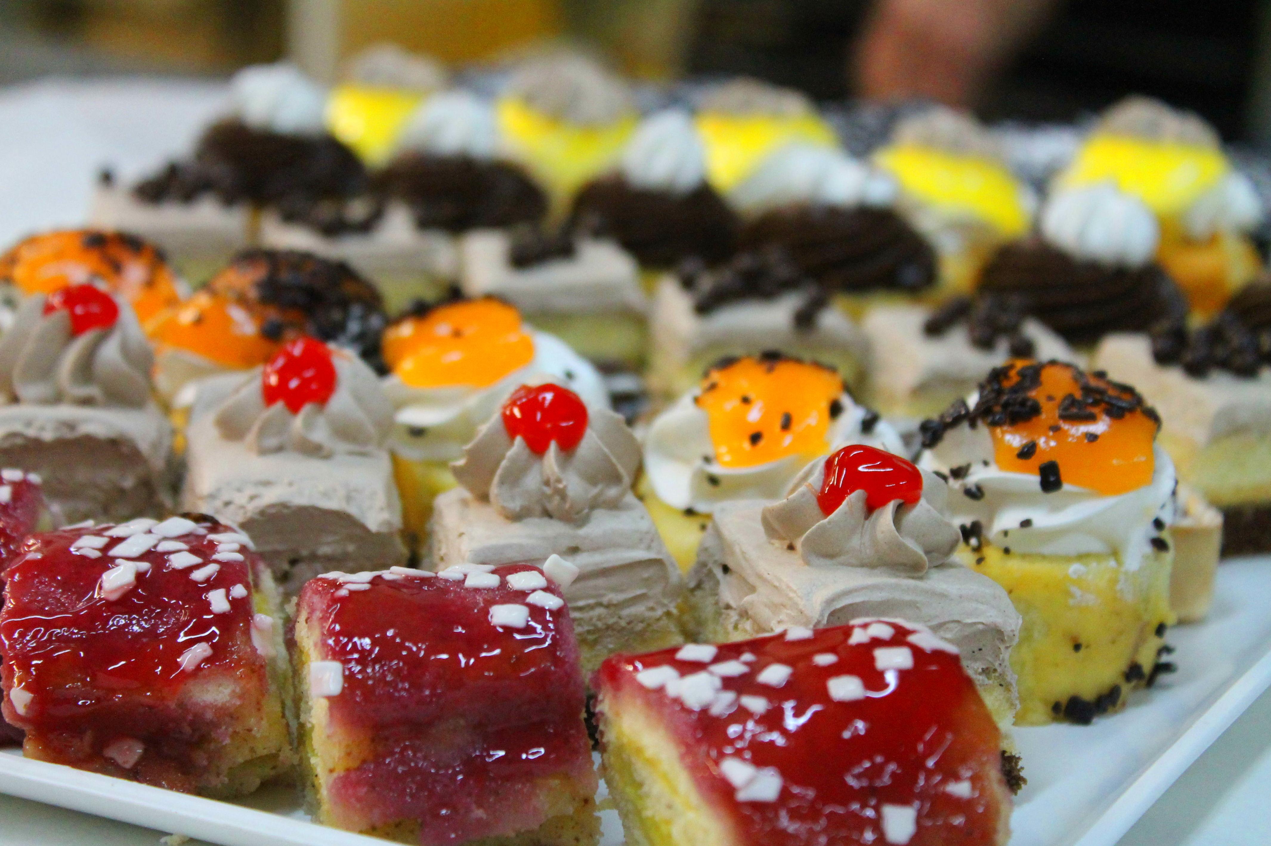 Foto 57 de Obrador artesano con amplia variedad de panes en Jaén | Panaderías y Confiterías Rodríguez