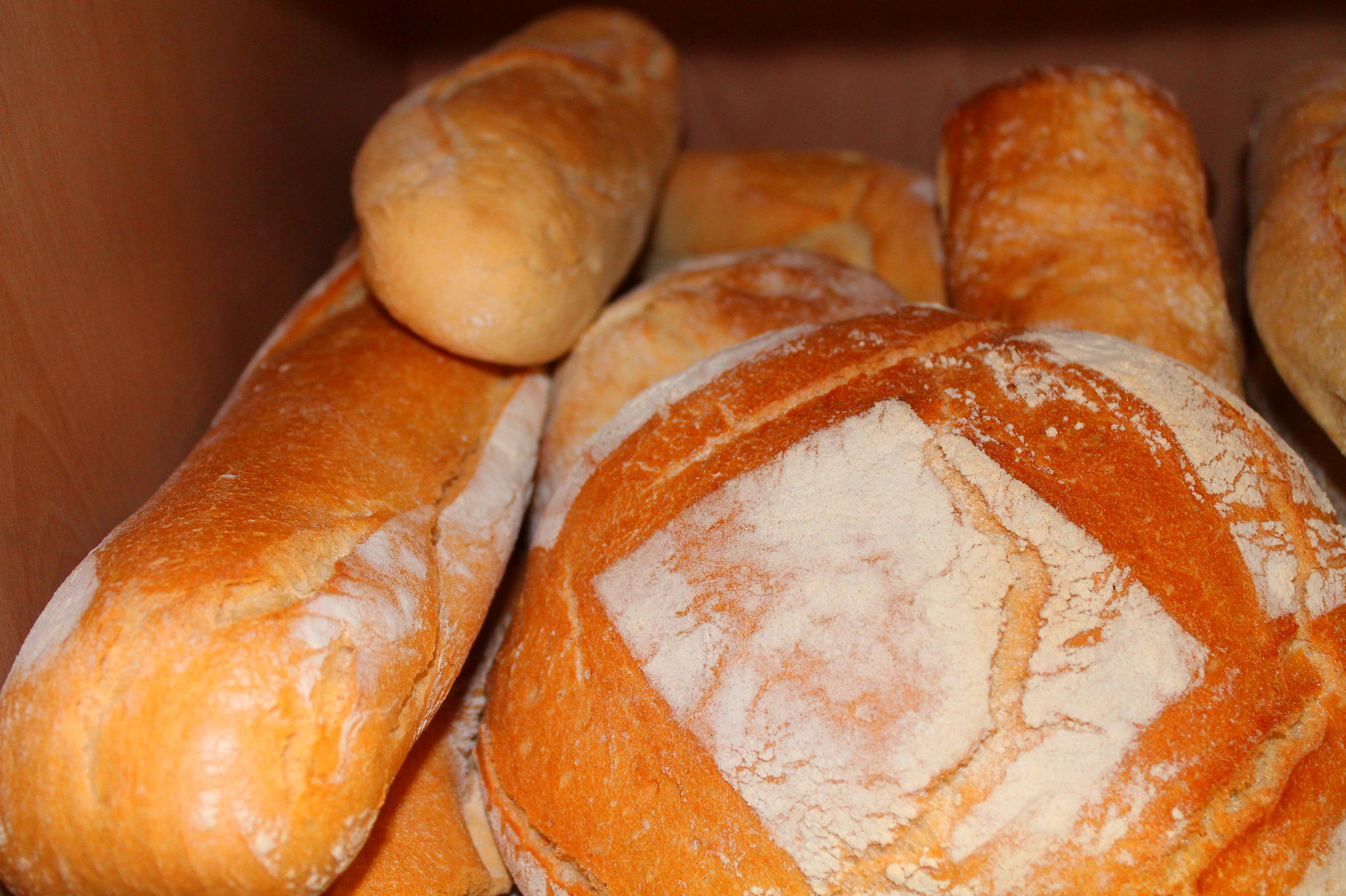 Barras de pan y hogazas: Panadería y Confitería de Panaderías y Confiterías Rodríguez