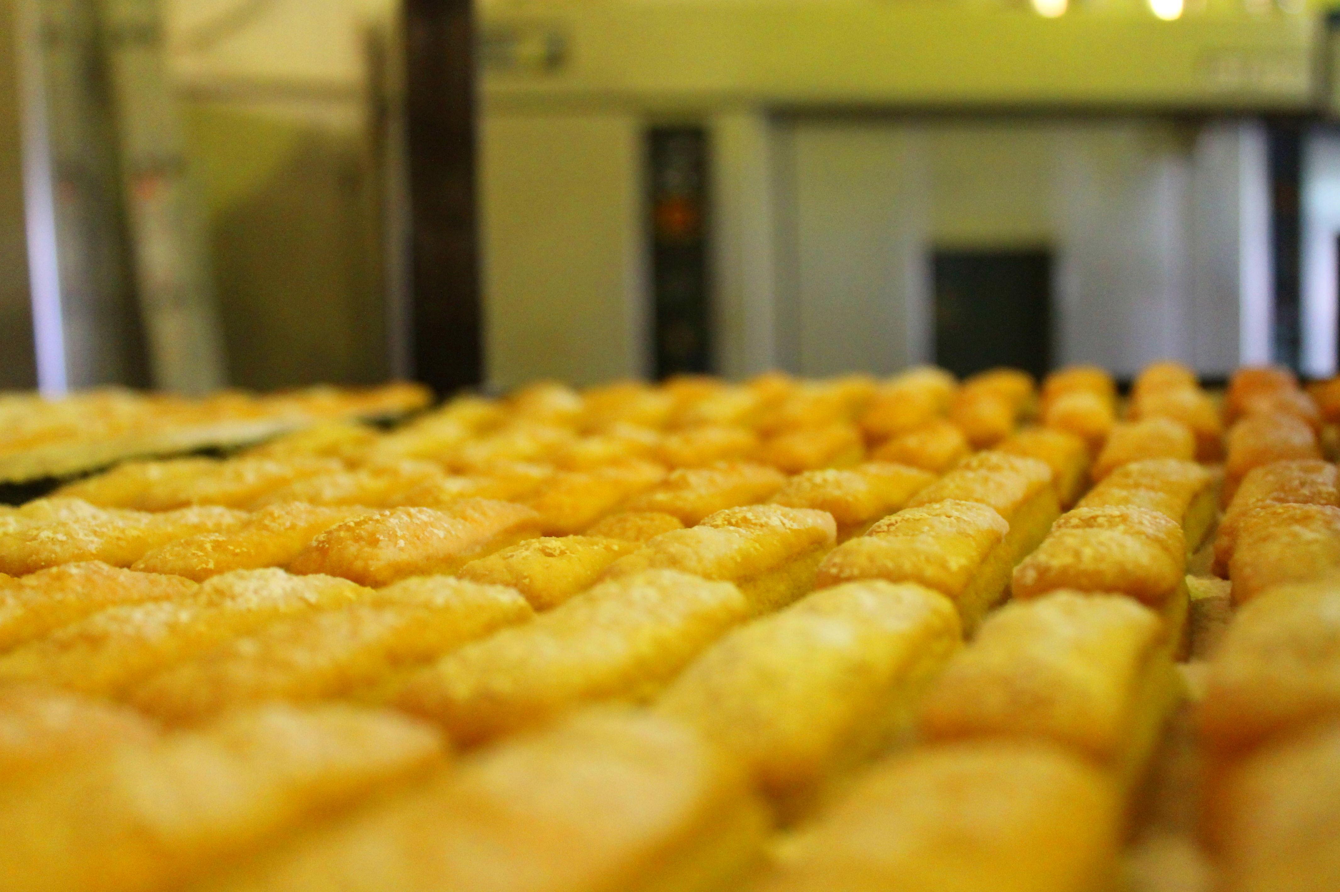 Foto 44 de Obrador artesano con amplia variedad de panes en Jaén | Panaderías y Confiterías Rodríguez