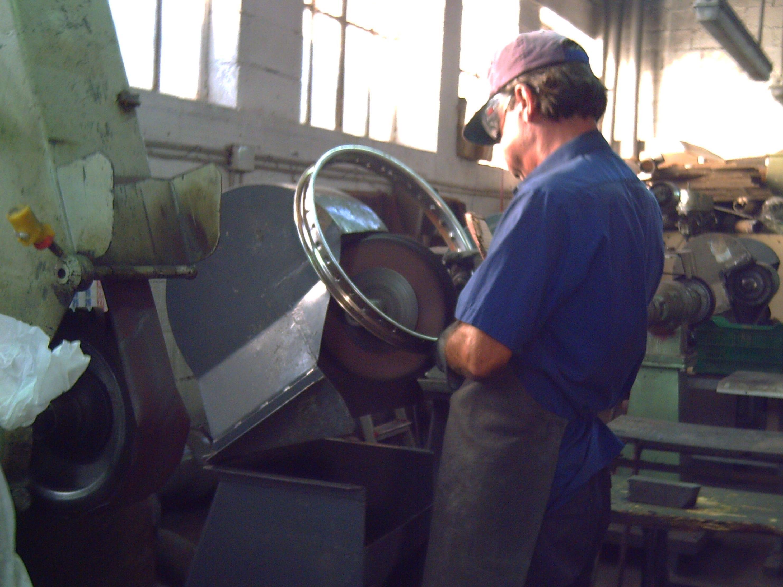 Restauración de piezas de vehículos clásicos en Valencia