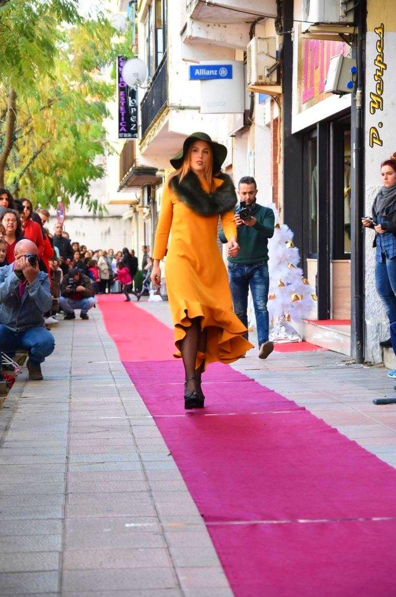 Foto 66 de Modistería en  | JULIA CASAS GARCÍA