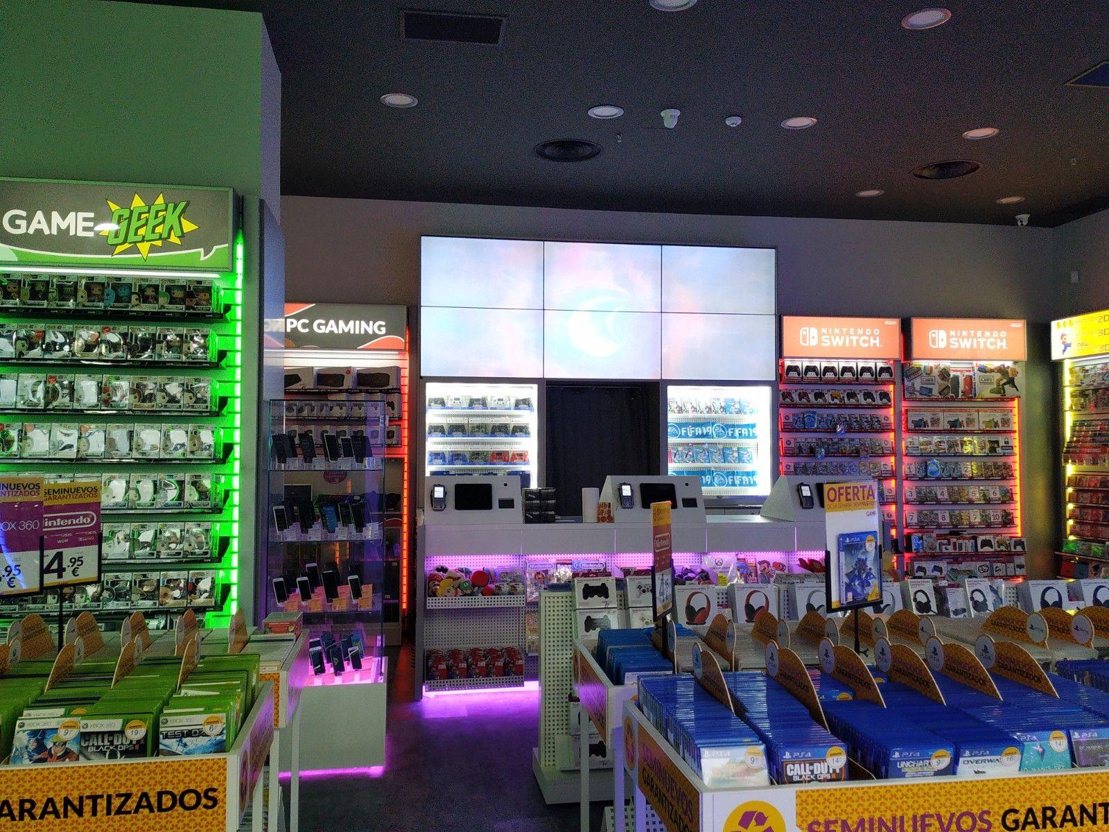Instalación comercial en la tienda Game de Sevilla