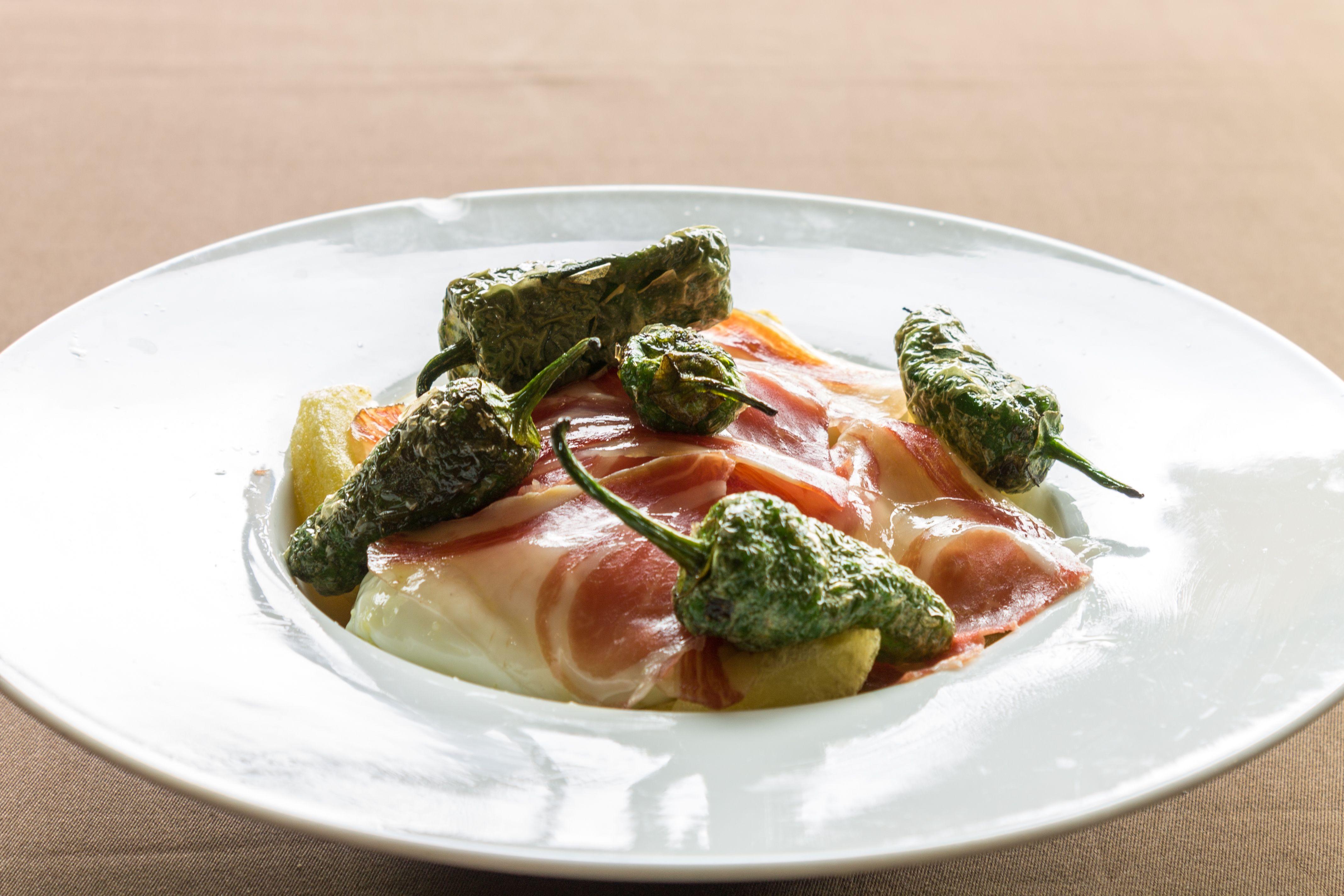 ¿Quieres probar los mejores platos de la gastronomía andaluza?