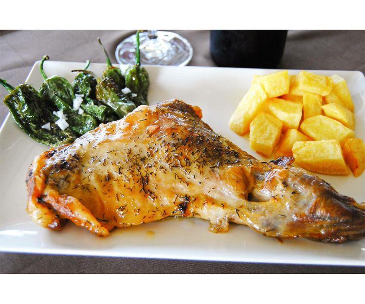 Restaurante especializado en chivo malagueño en El Rincón de la Victoria, Málaga