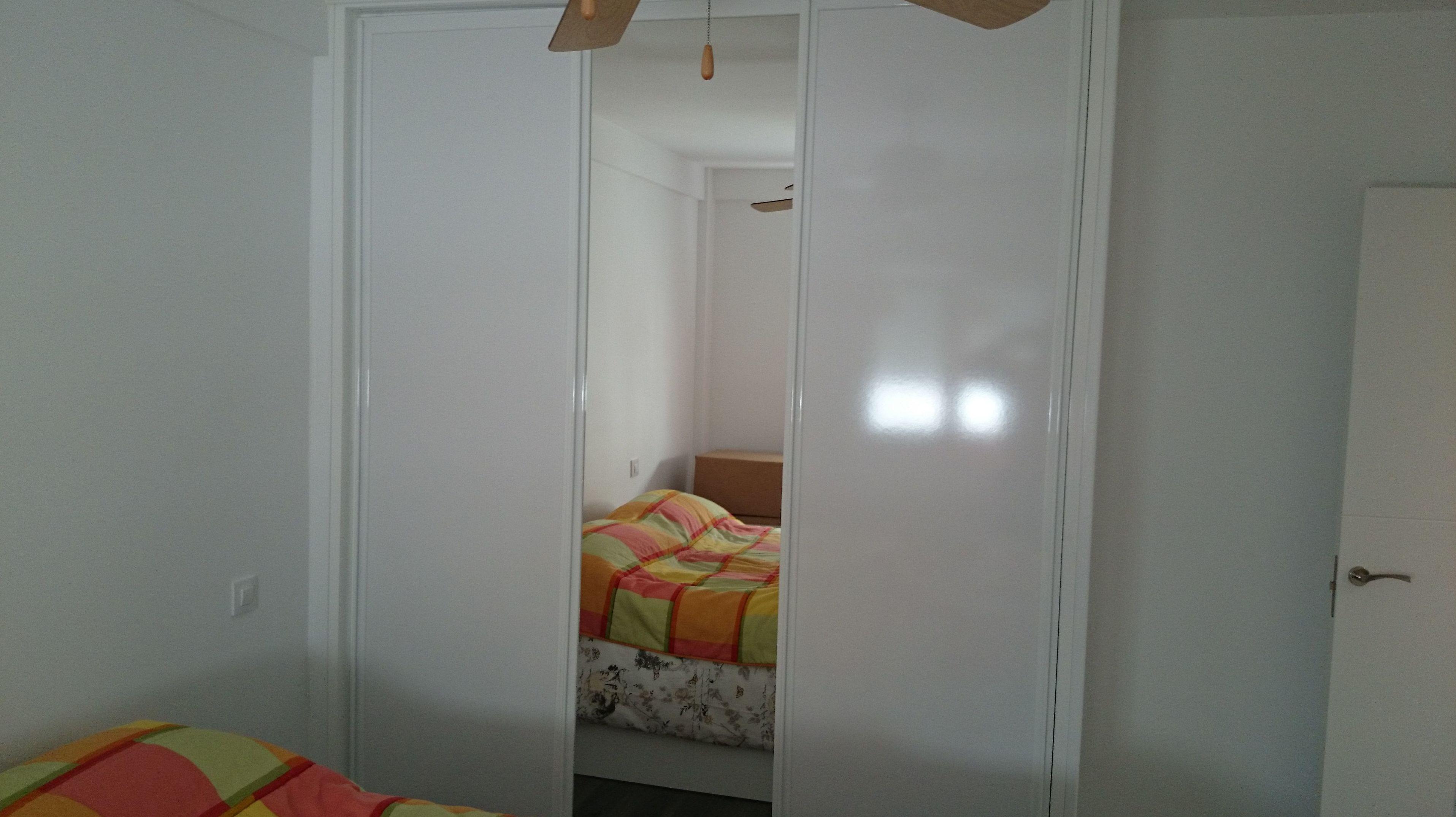 Armarios con diferentes modelos de puertas