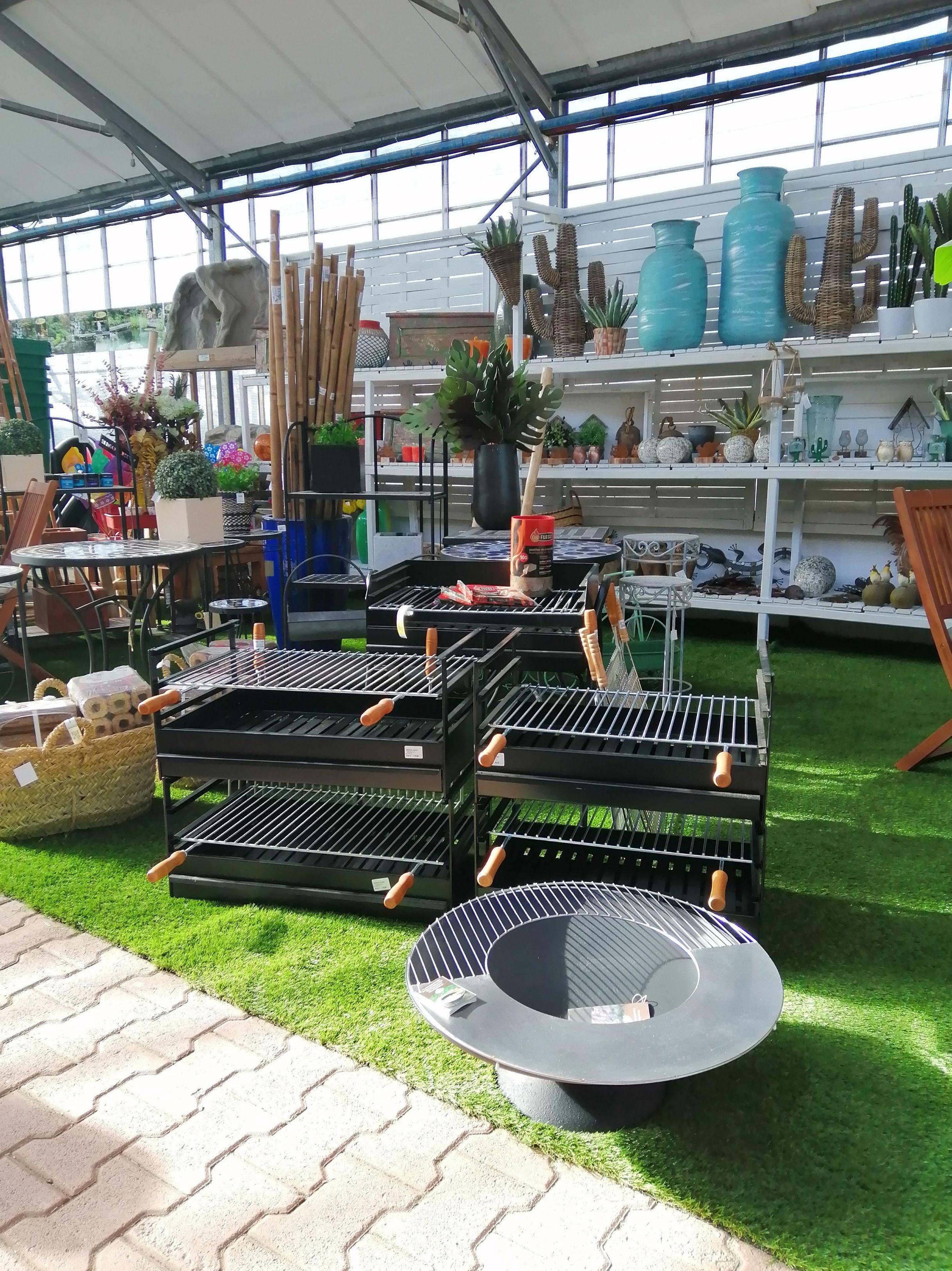Foto 3 de Excellent range of products for all kinds of gardens en Castelló d'Empúries | Mercajardí