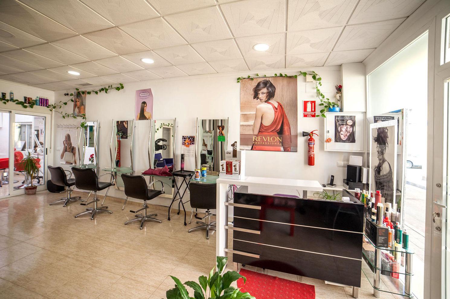 Formación de peluqueros y peluqueras en Los Dolores (Cartagena)
