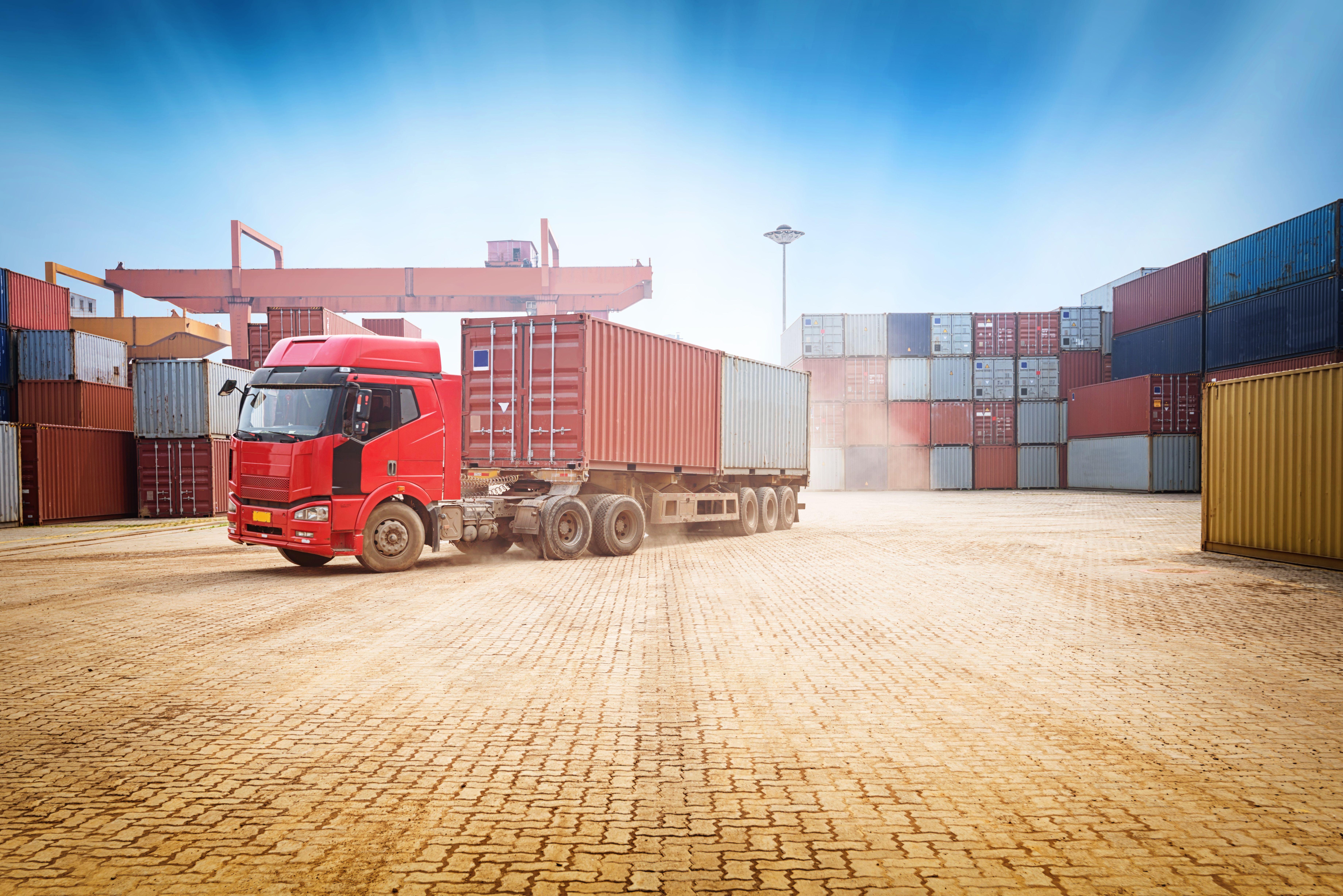 Transporte de residuos: Servicios de Logística Virgen de la Peña