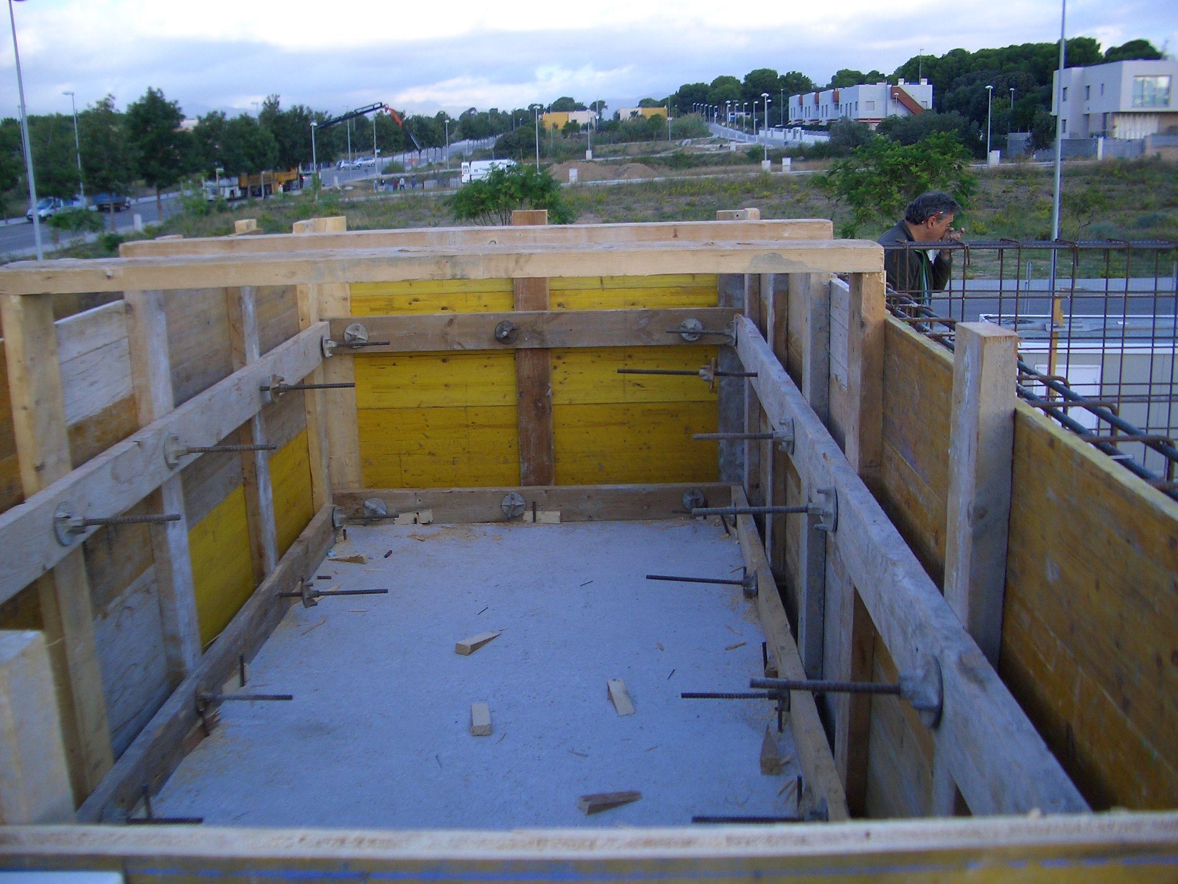 CONSTRUCCIO PISCINA EN UN TERRAT 2