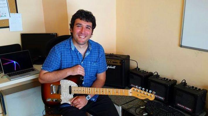 Argoitz, uno de nuestros profesores de guitarra