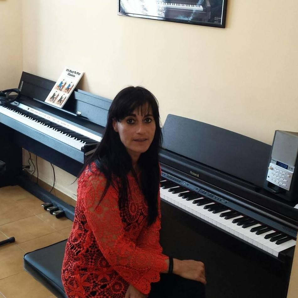 Amaia, una de nuestras profesotas de piano