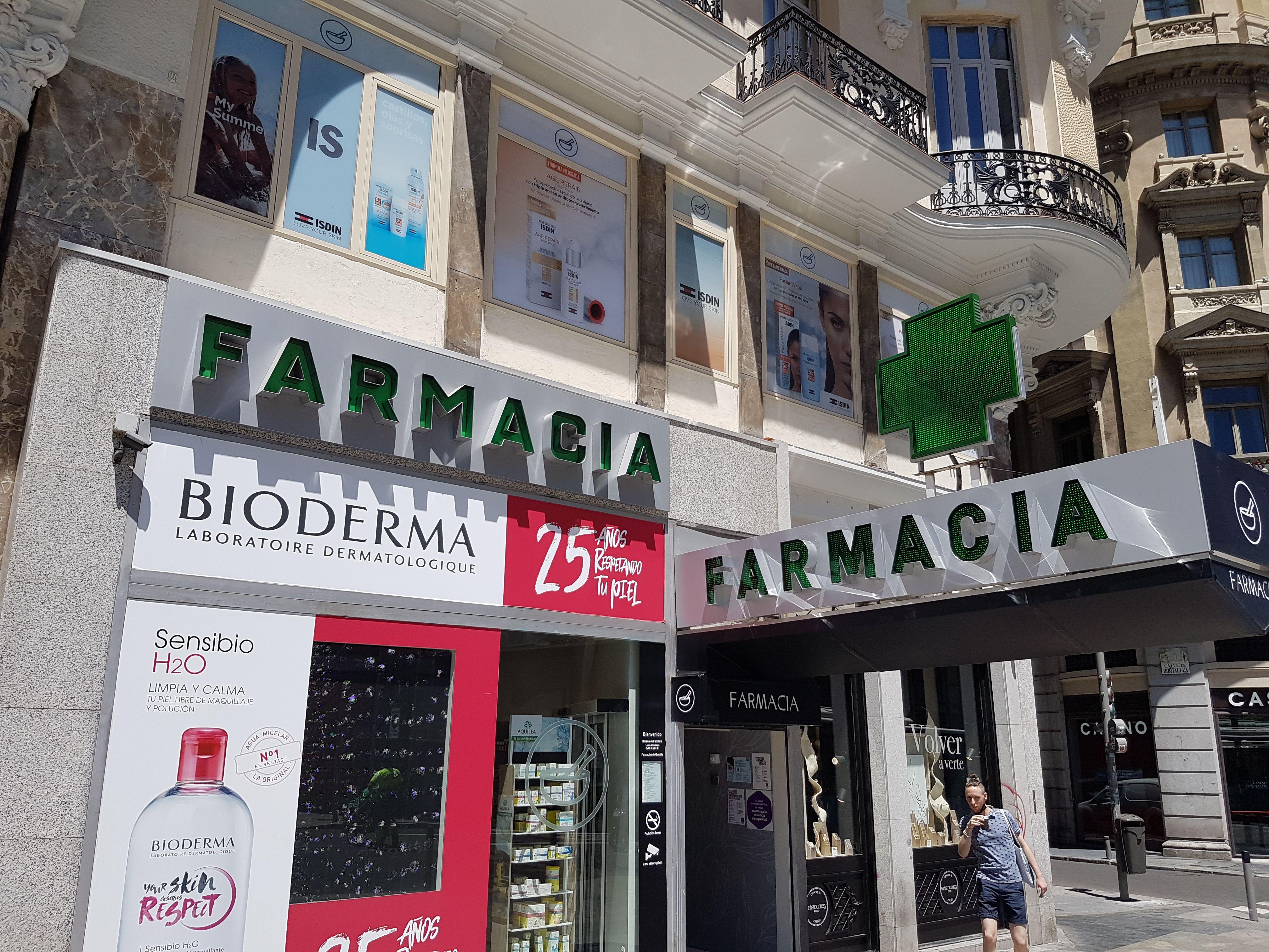 Foto 1 de Farmacias en Madrid | Farmacia López Vicente