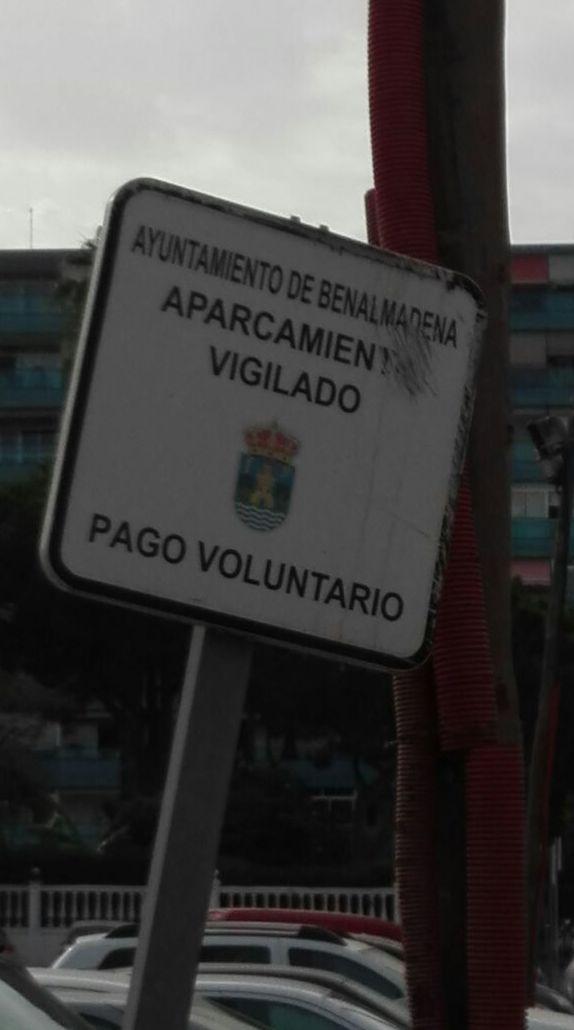 Cartel parking, en la zona de Benalmadena