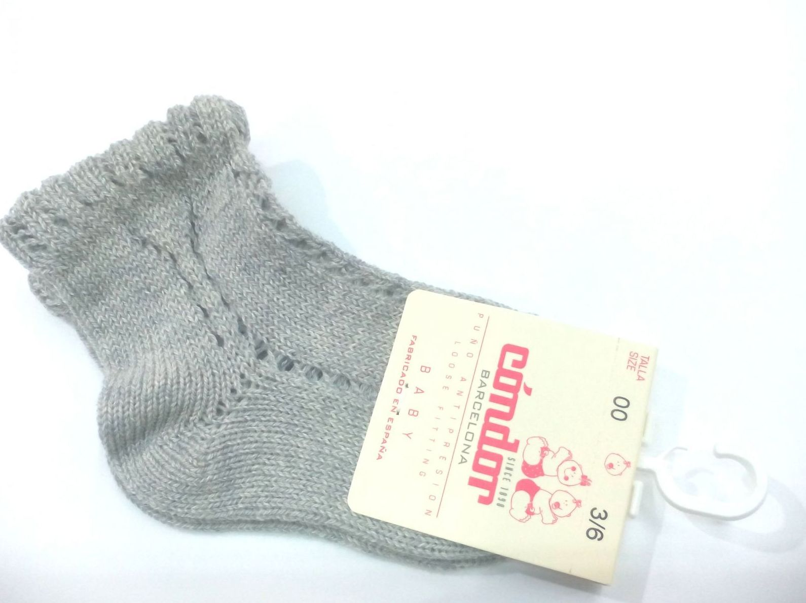 Calcetines cortos calados perlé gris de Cóndor